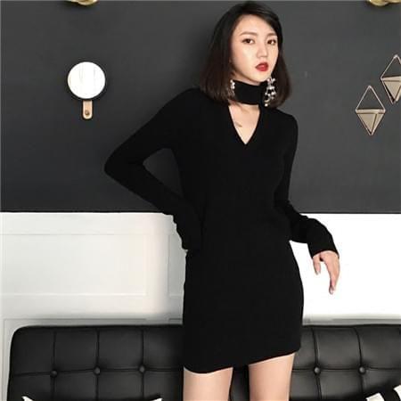 黑色长袖针织打底连衣裙